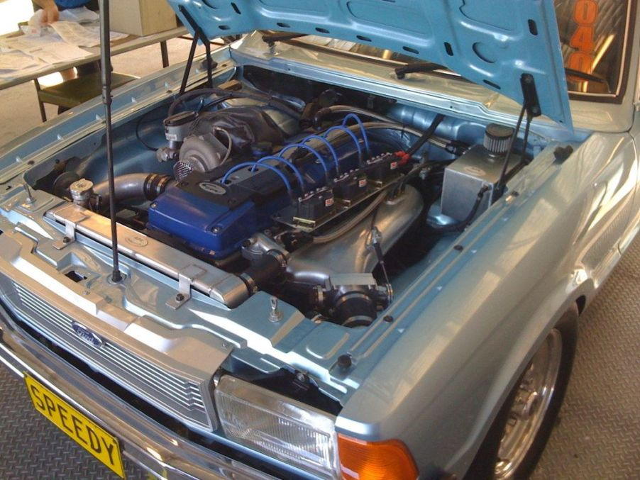 RB25/RB20 in ford cortina- trinituner com